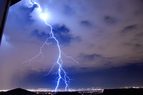30 Super Electrifying Examples Of Lightning Photography